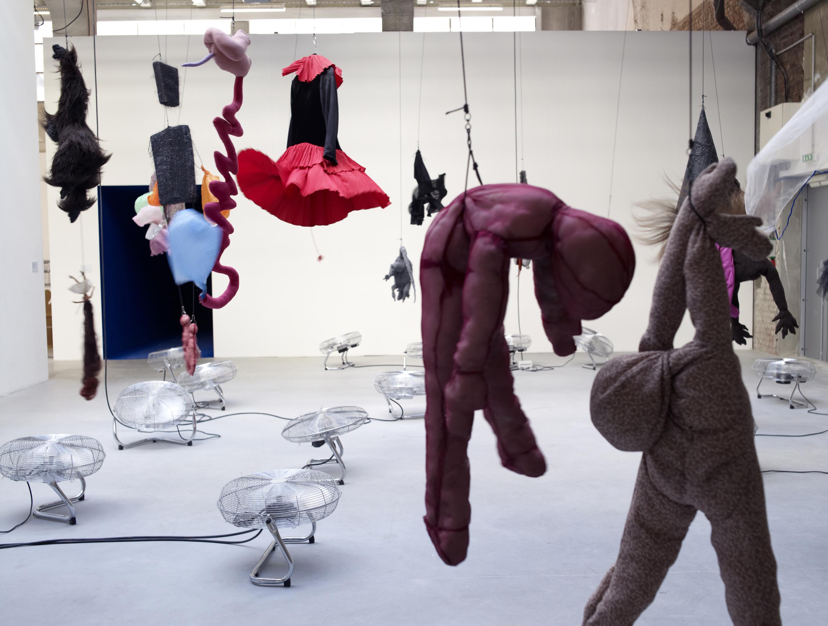 Musee d art moderne et contemporain de strasbourg voyage vers les continents noirs d annette - Sculptures modernes contemporaines ...