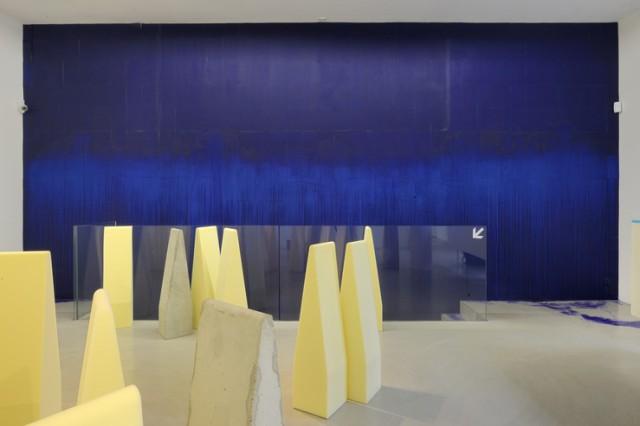 Latifa_Echakhch_-_A_chaque_stencil_une_r_volution_chambre_2_large2[1]