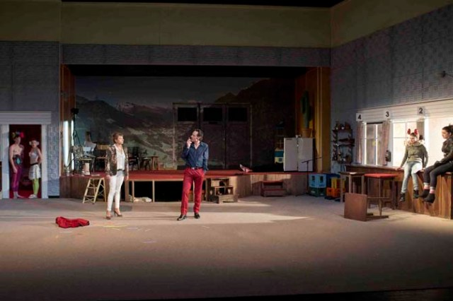 """2013-2014 la Colline  coproduction création Théâtre de Liège """"LILIOM """"de Ferenc Molnár Mise en scène Galin Stoev"""