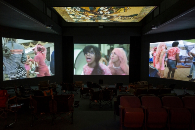 2Lizzie-Fitch-Ryan-Trecartin-SITE-VISIT-2014-installation-view.-Photo-by-Thomas-Eugster.-Courtesy-the-artists-Andrea-Rosen-Gallery-New-York-Regen-Projects-Los-Angeles-and-Spru--th-Magers-Berlin-London.