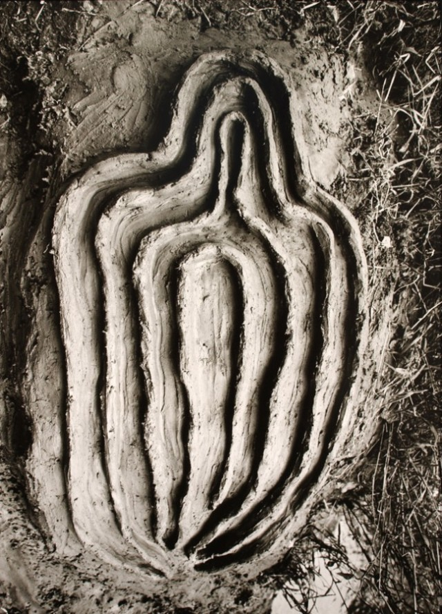 Ana-Mendieta-Untitled-Labyrinth-of-Venus-Series-1982