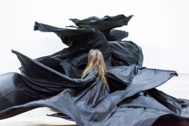 Ola Maciejewska BOMBYX MORI 20–21 Nov. à La Ménagerie de verre – Festival Les Inaccoutumés
