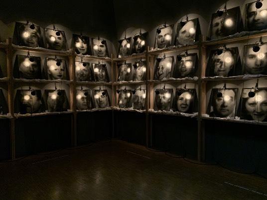 bolt 3) Monument collège d'Hulst, 1986, galerie Kewenig, Berlin