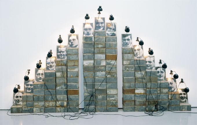 Boltanski autel chases 1988